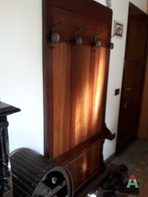 Appendiabiti a muro in legno stile anni 39 50 for Subito it agrigento arredamento e casalinghi