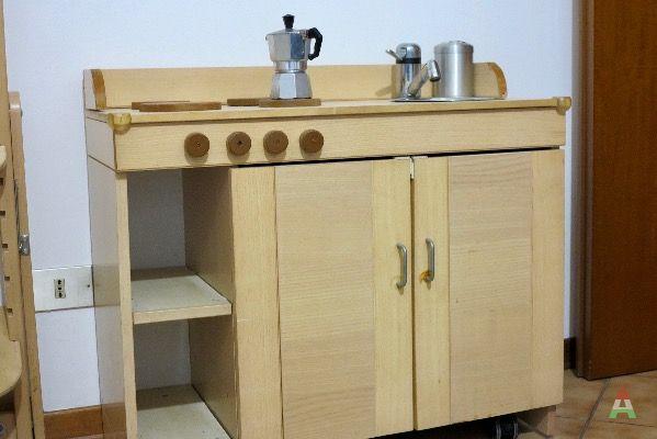 Vendo mobile cucina per bambini a milano in compra e vendi for Mobile per bambini