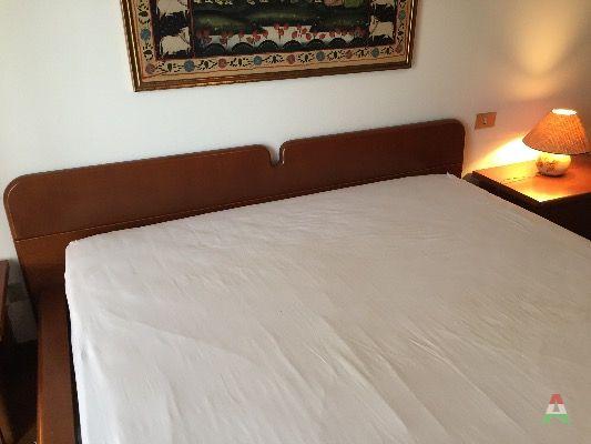 Camera matrimoniale con comodini for Subito it agrigento arredamento e casalinghi